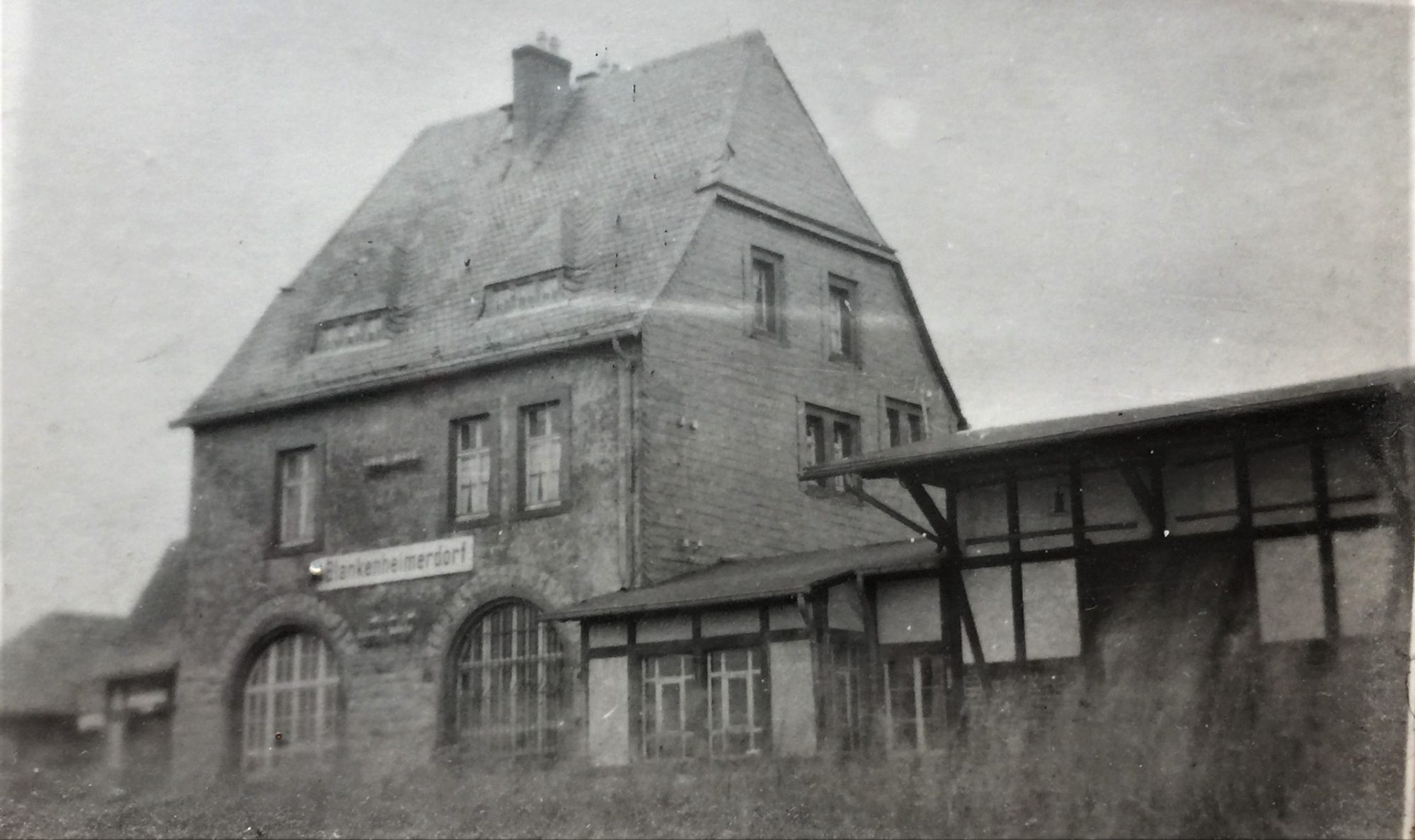Bahnhof Blankenheimerdorf-ehemaliger Bahnhof Blankenheimerdorf-Lebensraumgestaltung Maria Liebig-Begegnungsraum